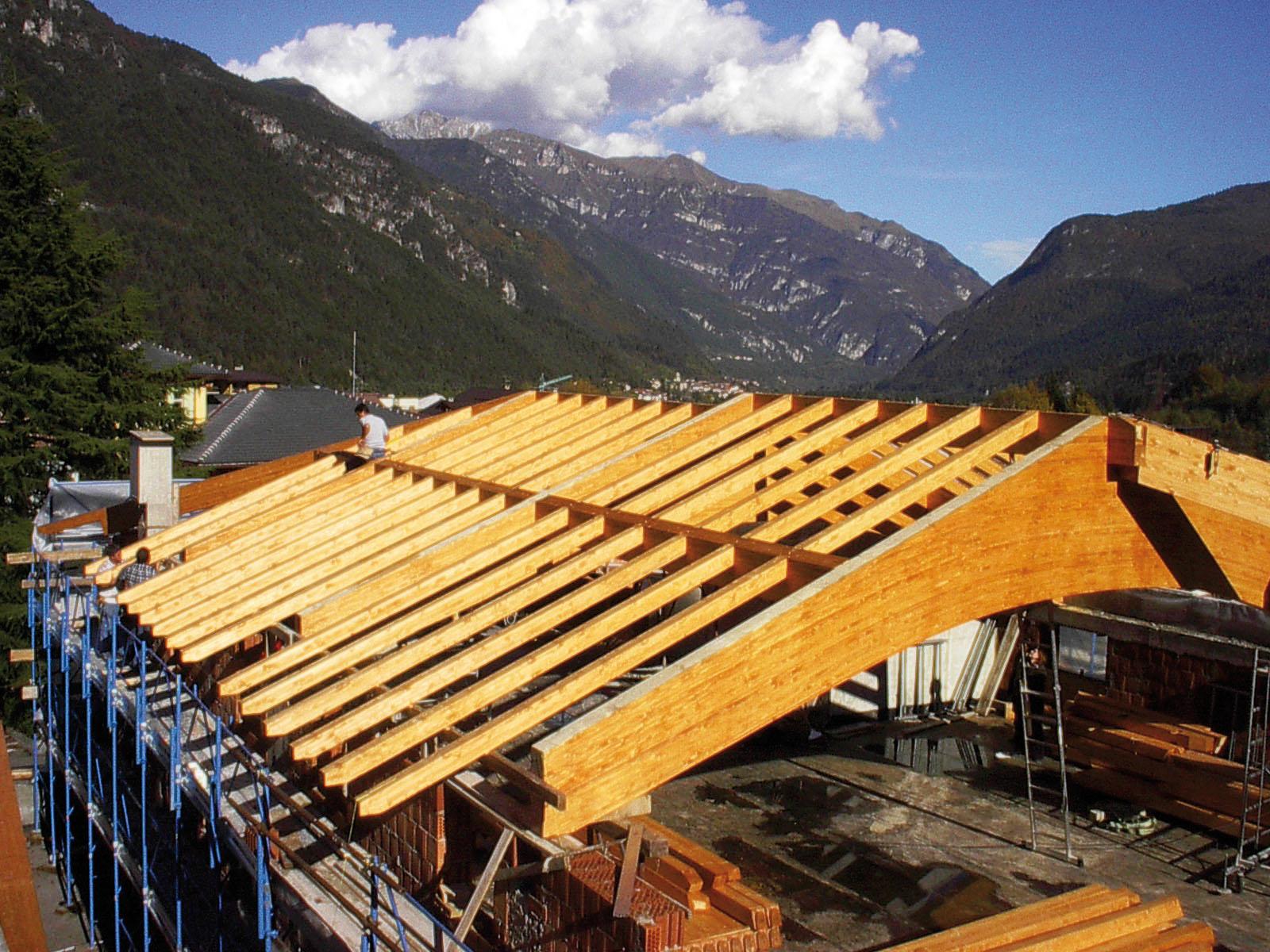 Copertura In Legno Lamellare : Coperture in legno c g tetti in legno